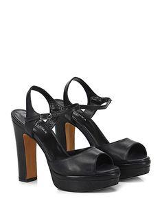 Alexandra - Sandalo alto - Donna - Sandalo alto in pelle delavè effetto vintage con cinturino alla caviglia e suola in gomma. Tacco 130, platform 30 con battuta 100. - NERO - € 155.00
