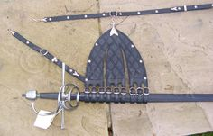 img-sword-scabbard-large-rapier-hanger-500x320.jpg (500×320)
