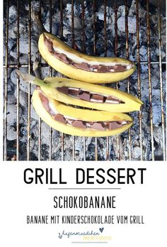 GRILLDESSERT - chocolate banana with children& chocolate, Grilling is sweet too. This barbecue dessert with children& chocolate not only makes children& eyes shine. Banana plus favorite chocolate ba. Clean Eating Recipes, Clean Eating Snacks, Grill Dessert, Cake Recipes, Dessert Recipes, Bbq Desserts, Sweet Recipes, Snacks Sains, Banana
