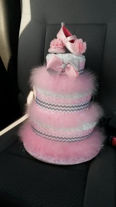 Pink and Gray Diaper Cake von Bsbabythings auf Etsy