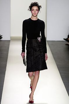 Oscar de la Renta Fall 2003 Ready-to-Wear Fashion Show: Complete Collection - Style.com