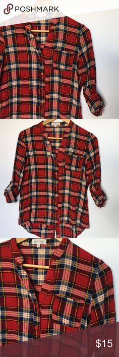 Plaid button down top Super cute plaid top, soft material and comfortable to wear, gently used great condition, pair with black pants jeans or shorts. Eden & Olivia Tops Button Down Shirts
