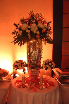 Buffet decoration #wedding #bling #flowers #lovepeach #colors