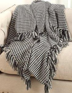Washables Houndstooth Throw