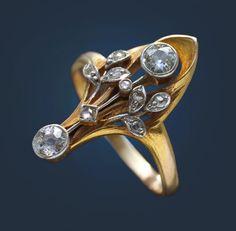 ART NOUVEAU -  Floral Ring. Gold Diamond. French, c.1900