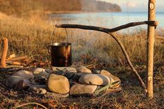 Fire is crackling and it's time for some coffee! #coffeebreak #bushcraft #udeliv…