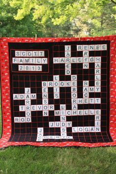 Family crossword quilt for THE MOTHER. Embroidered letters and satin stitch quilted on my Janome domestic. Scrabble Quilt, Scrabble Tiles, Quilting Tutorials, Quilting Designs, Quilting Ideas, Diy Quilting, Quilt Design, Applique, Christmas In July