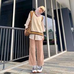 Stylish Hijab, Hijab Casual, Ootd Hijab, Hijab Outfit, Dress Outfits, Modest Fashion, Hijab Fashion, Fashion Outfits, Korean Fashion Summer