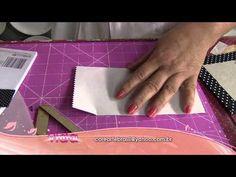 Mônica Quirino -- Artesã Contatos: Site: www.corartebrasil.com E-mail: coreartebrasil@yahoo.com.br Tel.: (11) 99789-8474 Prancheta Materiais: - Bloco de nota...