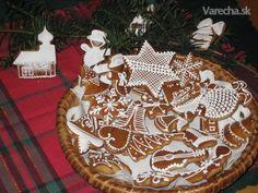 Vianočné medovníčky Russian Recipes, Jpg, Tree Skirts, Gingerbread, Christmas Tree, Holiday Decor, Polish, Home Decor, Teal Christmas Tree