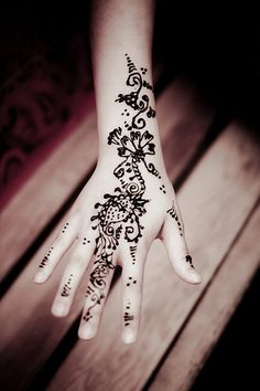 Indian Hand Art (Henna) by Wheat_King, via Flickr