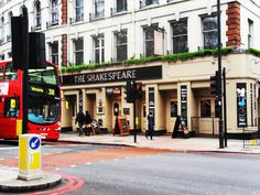 London, GB : daily life at great speed