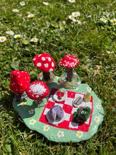 Mushroom Decor, Mushroom Art, Polymer Clay Crafts, Diy Clay, Ceramic Pottery, Pottery Art, Clay Art Projects, Jewelry Tray, Diy For Teens