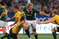 #RugbyU: De #Villiers wins top South African award  Springboks skipper Jean de Villiers was named South African Rugby Player of the Year Wednesday at a ceremony in a #Johannesburg theatre. #Sports
