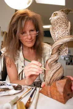 Lona Hymas Smith Truly An Inspiration Dremel Wood Carving, Wood Carving Art, Wood Carvings, Decoy Carving, Tree Carving, Bird Crafts, Whittling, Sculpture Clay, Fish Art