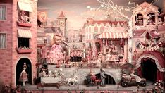 American artist Mark Ryden is the creative force behind this spectacular diorama which he's named 'Memory Lane'. Insert a penny and the entire scene magically spring into life. First the 1890s hit song 'Daisy Bell' begins to play whilst all manner of quirky characters suddenly become animated, sh...