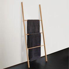 die besten 25 leiterregal bad ideen auf pinterest leiterregal f rs bad leiter regal f r. Black Bedroom Furniture Sets. Home Design Ideas