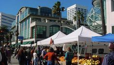 Santa Monica Farmers Market at the 3rd street promenade.