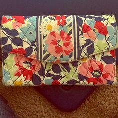 Vera Bradley wallet Cute wallet lots of slots for credit cards Vera Bradley Bags Wallets