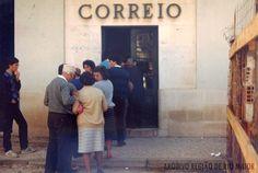 """Correios em 1980. Foto: Jornal """"Região de Rio Maior""""   Portugal"""
