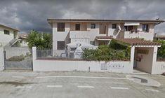 Residenza Bougainvillea, a walk from Spiaggia di Su Guventeddu, offers free parking, terrace, WiFi. Pula, Bougainvillea, Sardinia, Terrace, Wifi, Garage Doors, Mansions, House Styles, Outdoor Decor