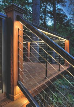 Feeney LED Lighting for DesignRail®: Feeney's custom designed LED lights and Lens installed in stair railing and deck railing. Detail shows 150 CapRail on stair railing, 200 CapRail on level railing. CableRail Quick-Connect® fittings used. Backyard Lighting, Outdoor Lighting, Accent Lighting, Modern Deck Lighting, Outside Lighting Ideas, Track Lighting, Rope Lighting, Balcony Lighting, Custom Lighting