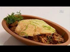 The very entertaining Chef Harpal Singh Sokhi teaches the viewers the true art of Punjabi cooking. He loves to cook true desi style where all that matters is. Sanjeev Kapoor, Patiala, Turban, Ants, Spice Things Up, Indian Food Recipes, Desi, Cabbage, Spices