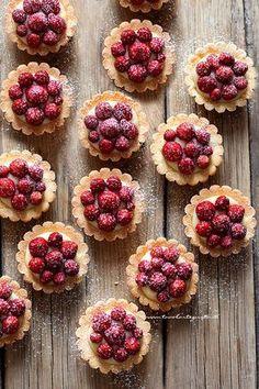 Tartellette alle fragole (Perfette come in pasticceria in poche mosse!)