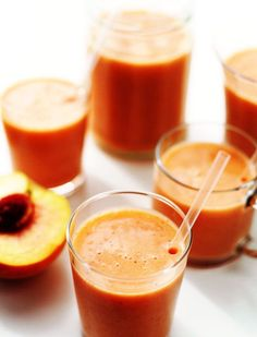 Fresh-Peach-Strawberry-Smoothie - Seriously awesome!