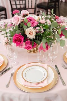 Our Pretty in Pink fans need to see this summer wedding out of Texas. It is not only crazy beautiful, but has a playful and definitively modern edge. Warm Colour Palette, Warm Colors, Color Palettes, Strictly Weddings, Wedding Table Decorations, Bridal Boutique, Pretty In Pink, Pink Flowers, Creme