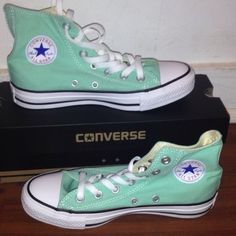 Converse shoes Converse size 5 in women's only wore twice in excellent condition, mint color Converse Shoes