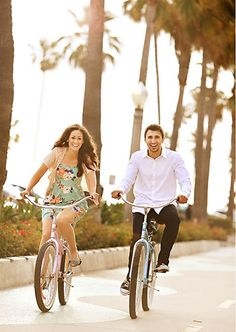 1 Engagement Photo Bikes Beach » Blog by Kerrie
