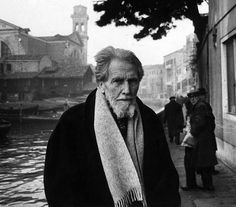 American poet Ezra Pound standing on a pavement nearby a canal. Venice, 1963 (Photo by Walter Mori/Mondadori Portfolio via Getty Images) Idaho, William Blake, Manet, Writers And Poets, American Poets, American Literature, Important People, Ernest Hemingway, The Twenties