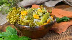 Kdo by se nechtěl naučit sladkokyselé křupavé okurky? Pickles, Cucumber, Food, Essen, Meals, Pickle, Yemek, Zucchini, Eten