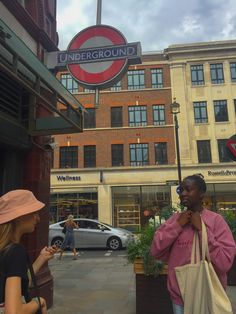 City Aesthetic, Travel Aesthetic, Aesthetic Style, Aesthetic Dark, London Friend, London Dreams, Living In London, Shotting Photo, London Lifestyle