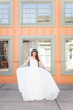 Photography: Kate Webber - katewebber.com  Read More: http://www.stylemepretty.com/2014/09/03/modern-farm-wedding-at-carneros-inn/
