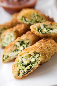 Crispy Garlic Chicken and Spinach Egg Rolls | thecozyapron.com