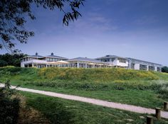 Hotel ARA Zwijndrecht - De locatie om te overnachten, een feestje te vieren, je bruiloft te houden, op het terras te loungen of om uw teambuildingsessie te organiseren!