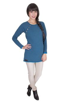 Viva la Mama | The blue long-sleeved nursing & maternity hoodie NOVA has a comfortable and long cut but is also playful with its little buttons. NOVA makes discrete breastfeeding everywhere possible.