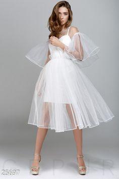 Is this a wedding dress? Pretty Dresses, Beautiful Dresses, White Mesh Dress, Bridal Dresses, Bridesmaid Dresses, Mode Kawaii, Vetement Fashion, Minimalist Dresses, Short Dresses