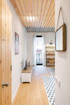 Fall in love with this small but charming apartment- Enamórate de este piso pequeño pero encantador flat in barcelona - Home Staging, Crazy Home, Bed Parts, Living Room Decor, Bedroom Decor, Ikea Home, Small Tables, White Houses, Home Furniture