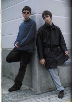 Find images and videos about oasis, noel gallagher and liam gallagher on We Heart It - the app to get lost in what you love. Liam Gallagher Noel Gallagher, Liam Oasis, Oasis Music, Oasis Band, Liam And Noel, El Rock And Roll, Britpop, Best Rock, Music Bands
