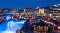 NAVIDAD EN EL MUNDO. Vista general del mercado navideño de la plaza Sechslaeutenplatz de Zúrich, Suiza, el 15 de diciembre del 2015. (EFE / Valeriano Di Domenico)