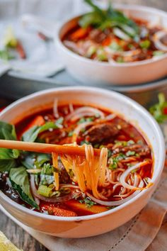 Bo Kho: Spicy Vietnamese Beef Stew with Noodles - Korean Food Ideen Vietnamese Cuisine, Vietnamese Recipes, Asian Recipes, Ethnic Recipes, Indonesian Recipes, Fish Recipes, Bo Bun, Soup Recipes, Cooking Recipes