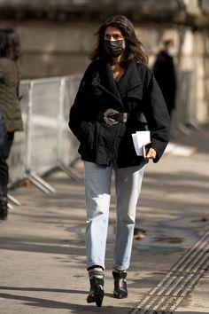 Only Fashion, Fashion 2020, Paris Fashion, Spring Street Style, Street Style Looks, Emmanuelle Alt Style, Cool Street Fashion, Parisian Style, Winter Outfits