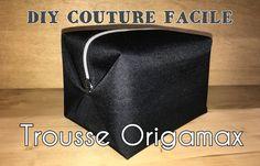 Bonjour, Après le sac Origamax voici la trousse de toilette Origamax, encore une raison de partir en week-end. Cette trousse fera un cadeau parfait pour la fête des pères ou pour offrir tout simplement. Ce modèle est très facile à coudre puisqu'il n'est...