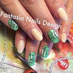 Have a fruitful summer:) #nailtech, #naildesign, #fruitdesign, #kiwidesign, #nailporn, #nailswag, #torontonails, #tengeloverlay