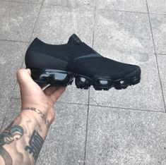 Best Sneakers, Shoes Sneakers, Nike Shoes, Shoes Sandals, Exclusive Shoes, Nike Air Vapormax, Gucci, Sports Footwear, Custom Clothes
