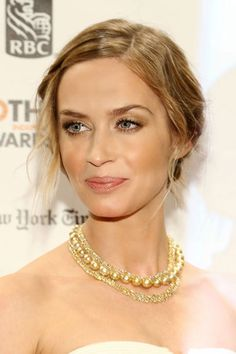 New Years Eve Beauty Ideas - Hair and Makeup Ideas for New Years Eve - Harper's BAZAARFor a sparkly look that doesn't read tacky, strike the right balance by sweeping a neutral eye shadow on your lids and then accentuating with a light dusting of gold around your eyes. Emily Blunt is wearing colors from ck one Eyeshadow Quad in Nymphet ($28). Finish with a pearly metallic rose lipstick.