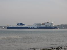 Schiff auf dem Weg in den Kieler Hafen